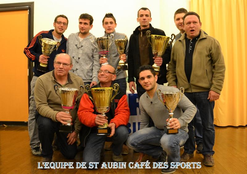 SAINT-AUBIN-DES-ORMEAUX L'EQUIPE DU CAFE DES SPORTS